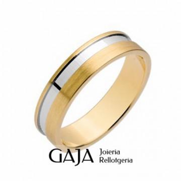 Alianzas de boda oro de ley amarillo mate con el centro rodiado